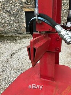 #B1057 NOS 30 tonne hydraulic log splitter. Unused. Very heavy duty. Delivery