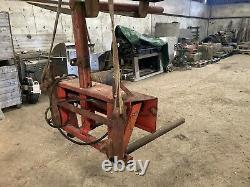 Heavy duty round bale spike with Manitou brackets Bale Squeeze/cuddler Good