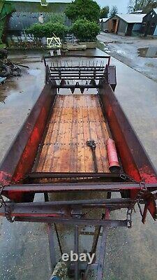 International PTO driven rear discharge vintage muckspreader
