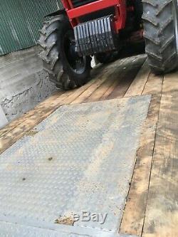 Low loader trailer. Jpm. 27tonne. Tri axle plant trailer