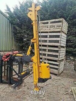 Post Knocker (Bryce Suma) & Quickfencer combination Tractor mounted
