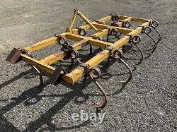 Broches De 3 Mètres Tracteur De Bonne Condition, Cultivateur, Lourd De Service, Arable