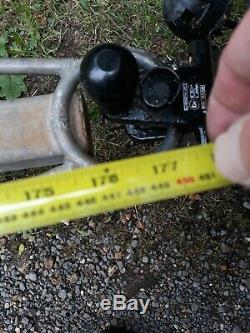 Remorque Robuste Hors Route. Suit Compact Tractor Ou Quad