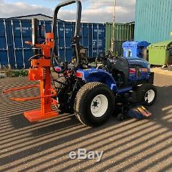 Tracteur Compact Pour Usage Intensif Iseki, 32 Hp, MID Deck, Année 62, Comprend Une Fendeuse De Bûches