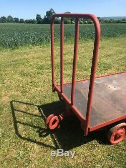 Vintage Chariot / Remorques / Chemin De Fer Industriels Lourds Main Panier (2 Succès)